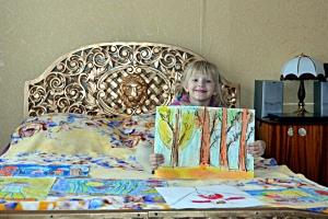 Рисунки Полина часто посвящает маме.