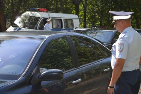 В Иванове нарушителя, который препирался с инспекторами ДПС, арестовали на семь суток