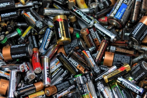 Куда в Иванове можно сдавать старые батарейки и аккумуляторы для гаджетов (СПИСОК)