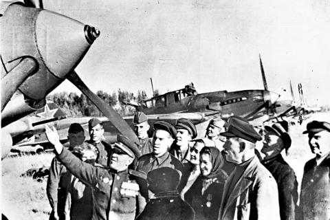 Эскадрилья самолетов от трудящихся Иванова совершила около 2000 вылетов.