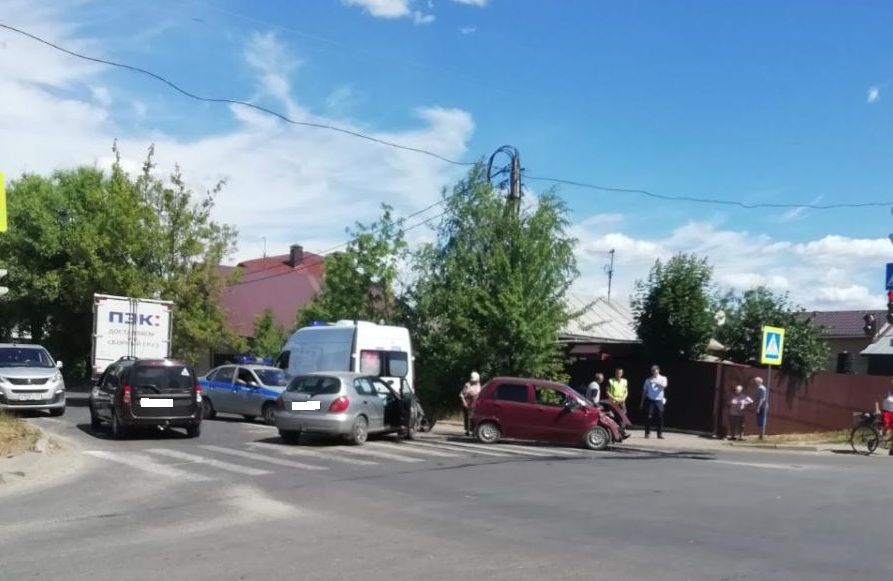 В ДТП на перекрестке Фейгина и Окуловой в Иванове пострадали четыре человека
